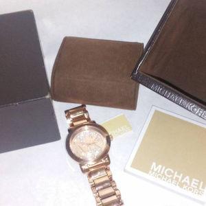 62d9fbc2664c Michael Kors Jewelry - watch michael kors womens runway rose gold crystal